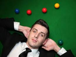 Mark Selby's disappointing form in front of the Tv cameras of late, continued with a narrow 6-5 defeat to Sean Murphy.